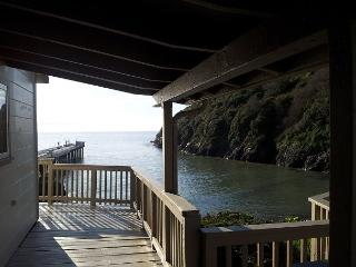 Seascape - 3 Bedrooms at Trinidad Harbor + Suite (additional fee) - Hot Tub