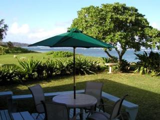 North Shore Retreat ~ Romantic Beachfront Getaway!, Laie