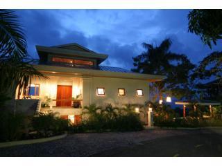 Luxurious Bali Modern Tropical Design