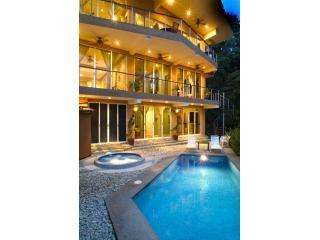 Casa Alegria  - Luxury Villa  - Walk to Beach, Manuel Antonio National Park