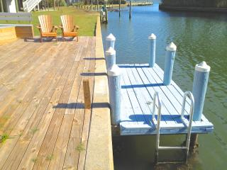 Spinnaker VR's  Private Boat Dock and Outdoor living area- Great Crabbing & Kayaking by Assateague