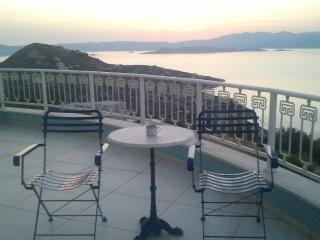 Upscale Athens vacation villa by the sea, EOT