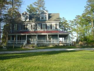 Stunning, Newer Chesapeake Waterfront Rental, Cambridge