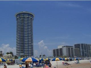 Peck Plaza - Daytona's Vacation Destination!