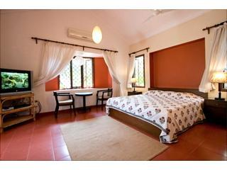 CASA MIA,  The Large, Comfortable Beach Apartments, Calangute