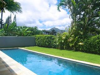 Hale Emmalani: Elegant remodeled 3br/3ba home with private pool, quiet street, Princeville
