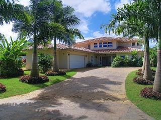Laulea Hale: Spacious lovely 4br north shore luxury home in quiet cul-de-sac, Princeville