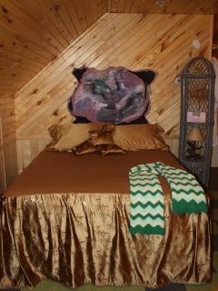 Queen pillow top/ guesthouse