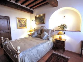 suite 3 in Villa in Tuscany La Mucchia