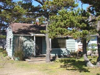 MERMAID ~Enjoy the great location close to town, beach and the park!!, Manzanita