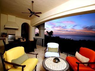 Villa Pamela - 3BD/3.5BA Ocean View Condo Sleeps 8 Pool/Jacuzzi, in Esperanza, Cabo San Lucas