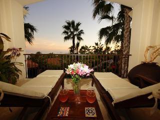 Villa Victoria - Luxury Ocean View Condo in Esperanza w/Full Hotel Amenities, Cabo San Lucas