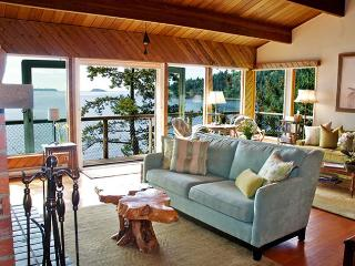 Renovated Waterfront Beach w Fireplace NEW kitchen Bowen Island British Columbia