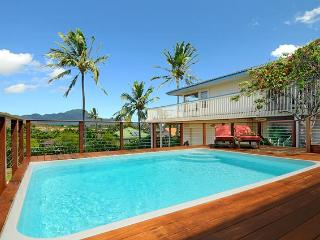 Private warm salt-water pool (set at 82F), watching beautiful mountain views see coconut swaying