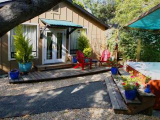 The Garden Studio adjacent to spa/Jacuzzi