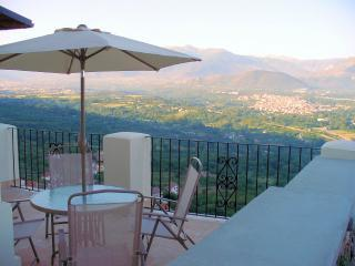 I Terrazzi 4 bed 3 bath stunning views all modcons, Roccacasale