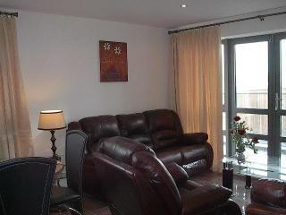 Cork City Ireland 2 bedroom sleeps 4