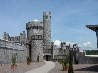 Cork City Ireland 2 bedroom sleeps 4