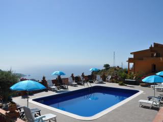 The Lemon Tree Apartments, Taormina