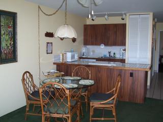 dinette/kitchen