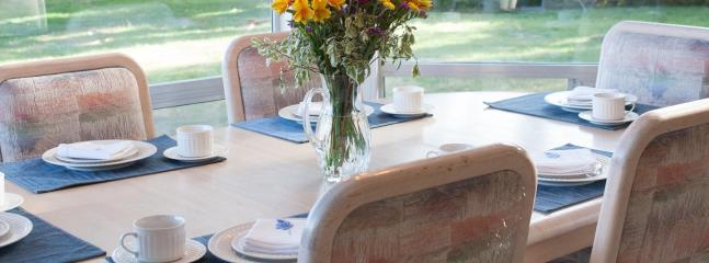 Watch the deer in the yard while enjoying breakfast at the kitchen table