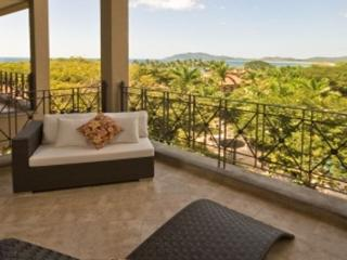 Picturesque 2BR oceanview condo- near beach and town, WIFI MAT402, Tamarindo