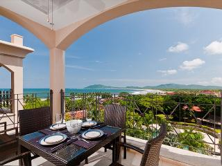 Luxury 2BR condo with great ocean views, Tamarindo