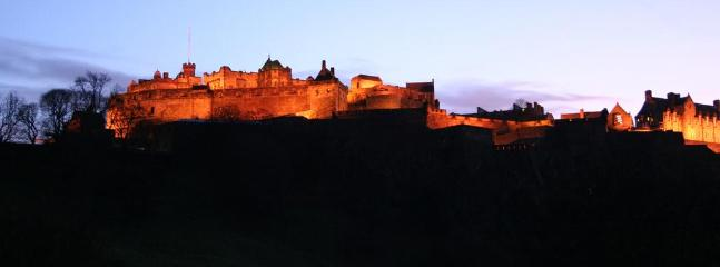 night time view of castle from Princes street