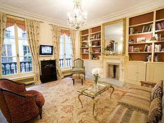 St. Germain des Pres Apartment Rental at Verneuil, París