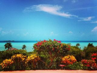 VILLA TROPIDERO ON THE BEACH, Providenciales