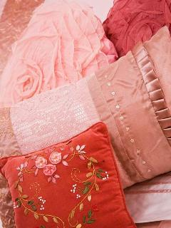 Mon Rouge - romantic cushions