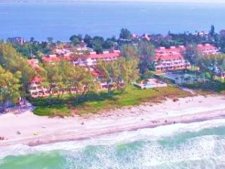 CLUB LONGBOAT BEACH and TENNIS  Gulf Front/ View Top Floor End Unit. Pictured far right