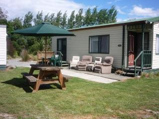 Aoraki Cottage B&B / Adventure Farmstay, Geraldine