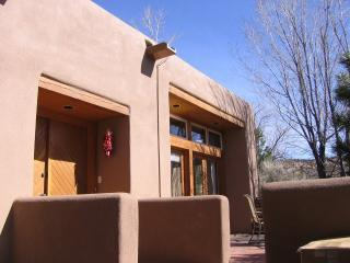 Pueblo Encantado-Lovely Casita Mountan View w/pool, Santa Fe