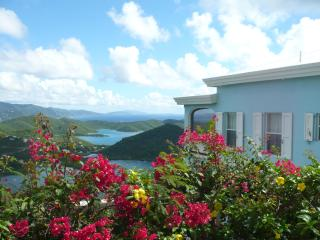 Waterlemon Villa - It's All About the View!, Coral Bay