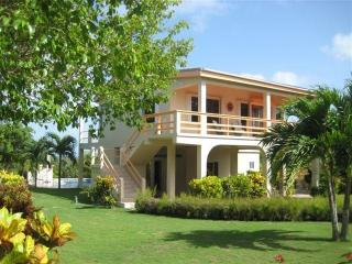 Casa de Suenos - 2BR house with private pool, pier, San Pedro