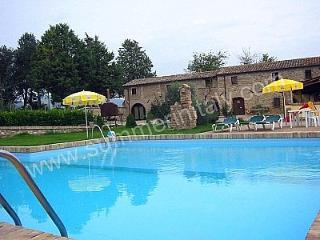 Villa Pavone C, Montone