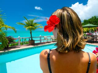 Sunset Point Oceanfront Villa - Taylor Bay Beach, Providenciales