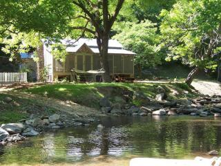 Creekside Mountain Cabins, Chatsworth