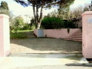 Beautiful garden appartment in heart of St Tropez, Saint-Tropez
