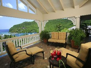 Marigot Sun Villa - Large Luxury Villa by the Bay