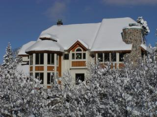 Edelweiss Chalet - Exquisitely Accomadates 16 - Stunning Alpine Views - 88 Windows