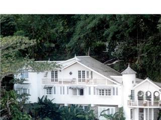 Moon San Villa at the Blue Lagoon '5 Bedrooms', holiday rental in Long Bay