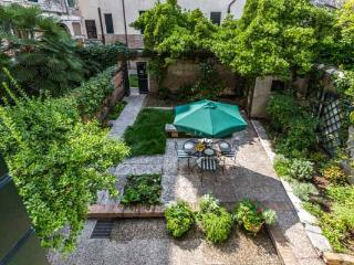 Ca' Carmini with Private Garden