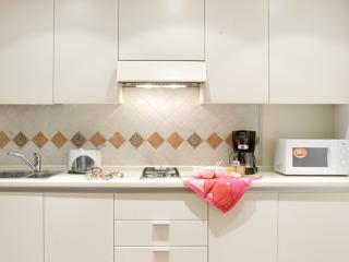 The furnished kitchenette