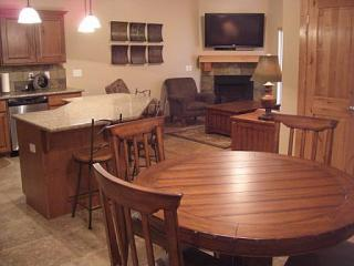 Views*Fully Loaded*Family Friendly*Outdoor Pool*50' HDTV, LCDs, Hot Tubs, holiday rental in Park City