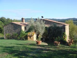 Secluded farmhouse one hour between Florence / Siena & Pisa, Volterra