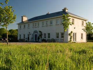 Rathellen House - a luxurious rental in Tipperary.