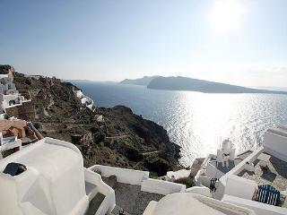 honeymoon house in oia village with calera-sunset-sea view