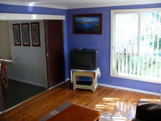 Unité 1 - salle de Loung (vieille photo - TV est maintenant 42 pouces plazma HD)